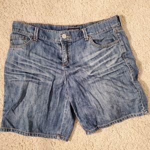3for$25 relaxed NY&C jean shorts